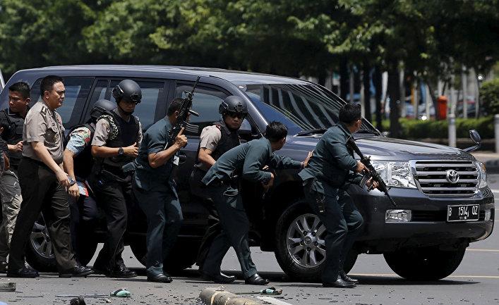 Свидетели проинформировали оновых взрывах вцентре столицы Индонезии