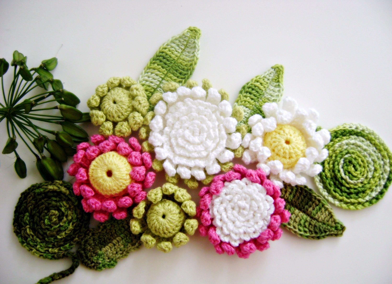Подарочные цветы из разных материалов