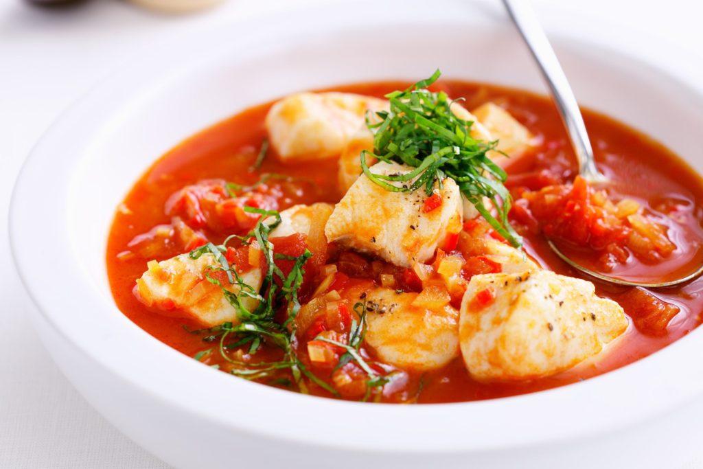 Лучшие блюда для гостей. Томатный суп с клецками из телятины