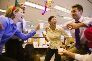 Смешные игры для взрослого праздника