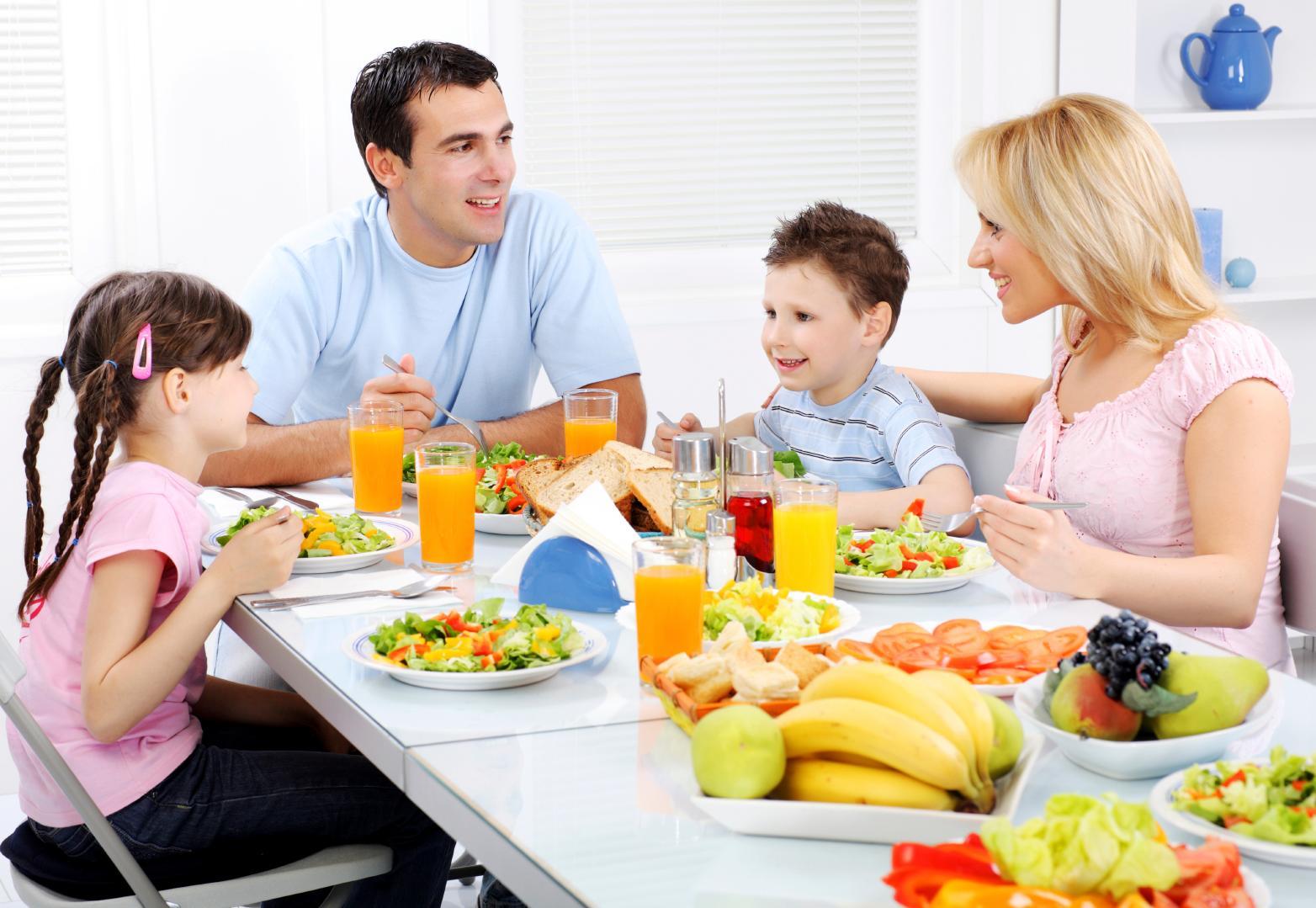 Учим детей гостевому этикету