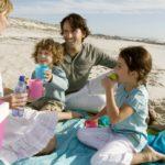 Отдых на пляже с ребенком
